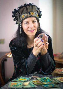 2017 Psychic predictions Tara Greene crystal ball
