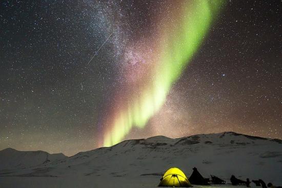 auroras-1203281_640